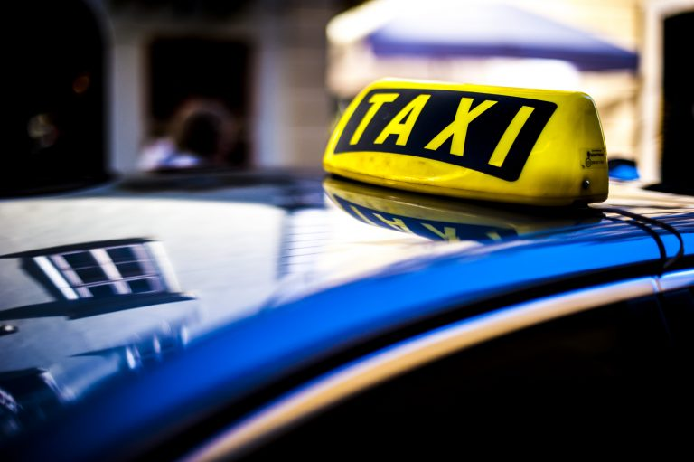 taxi-PG4XHWQ